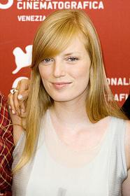 マルチな才能に溢れる美人女優「死ぬまでにしたい10のこと」