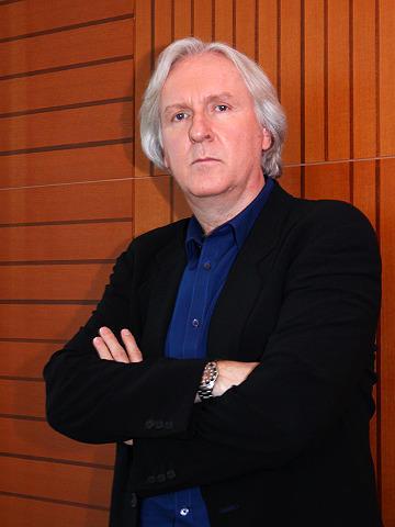 キャメロン監督、「アバター」続編に意欲 3部作の可能性も示唆