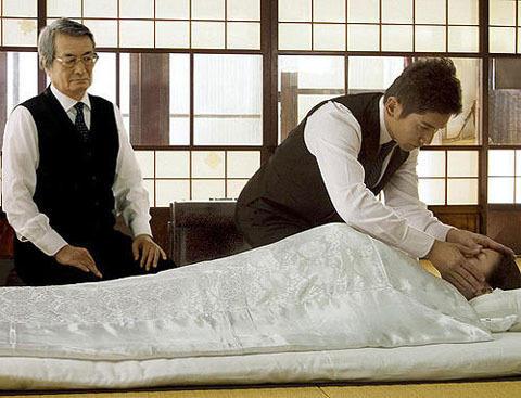 米有名評論家の2009年映画ベスト10 「おくりびと」がランクイン