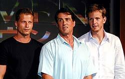 左から、ティル・シュワイガー、 スタローン、キップ・パルデュー「ドリヴン」