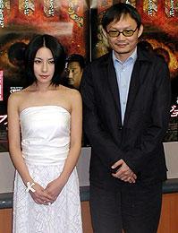 奥菜恵とチェン・クォフー監督「ダブル・ビジョン」