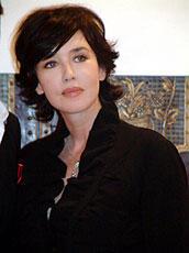 イザベル・アジャーニ15年ぶりの来日。相変わらずの美貌