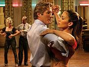 「Shall we Dance?」(4月29日公開)の ジェニファー・ロペス(右)「リバース(1997)」