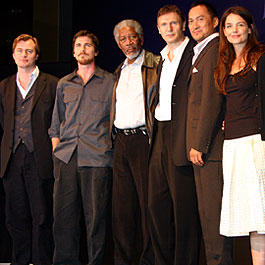 (左より)クリストファー・ノーラン監督、クリスチャン・ベール、 モーガン・フリーマン、リーアム・ニーソン、 渡辺謙、ケイティ・ホームズ「バットマン」