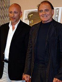 オリバー・ヒルシュビーゲル監督(左)と ブルーノ・ガンツ