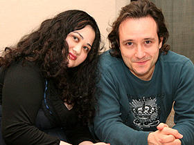 「カンバセーションズ」 (左から)脚本家ガブリエル・ゼビン、監督ハンス・カノーザ