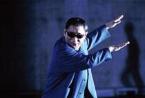 """今度は監督""""北野武""""を解体!?たけし主演の新作「監督・ばんざい!」"""