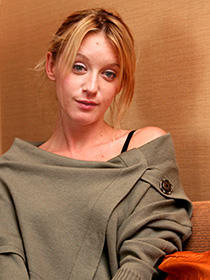 リュディビーヌ・サニエが夢遊病に。「情痴アヴァンチュール」