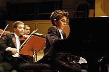 「僕のピアノコンチェルト」主演の天才ピアノ少年が、日本でコンサート開催