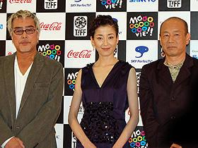 りえの愛のお相手は? (左から)原田芳雄、宮沢りえ、三枝健起監督「オリヲン座からの招待状」