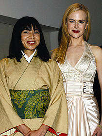 山口智子はニコールと2ショット「ライラの冒険 黄金の羅針盤」