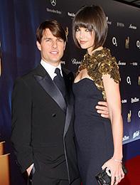 トム・クルーズはスーツ姿がお好き!ケイティ・ホームズが明かす
