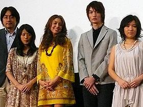 安良城のセーラー服姿は映画で! (左から)草野陽花監督、近野成美、安良城紅、足立理、徳永えり「ブラブラバンバン」