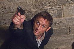 007最新作の邦題が「007/慰めの報酬」に決定!20年ぶりの漢字邦題