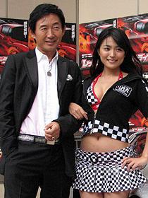 総額3.5億円の豪華スーパーカーが登場!「レッドライン」イベント