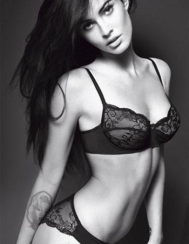 セクシー女優ミーガン・フォックスが、アルマーニの下着広告モデルに!