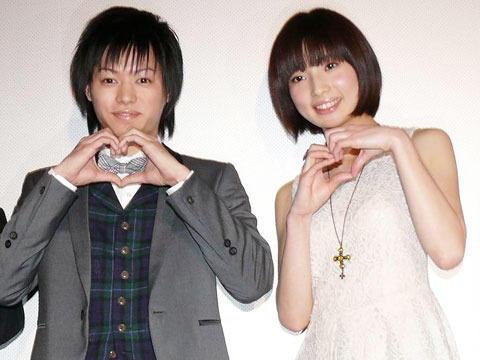 """深作健太監督、3D版""""飼育女優""""亜矢乃を「セクシーじゃない」"""