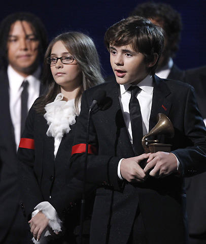 ビヨンセがグラミー賞6冠 マイケル・ジャクソンの子どもたちもステージに