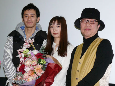 「ロマンポルノ」デビューの高尾祥子、初日に笑顔