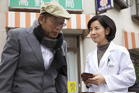 吉永&鶴瓶「おとうと」観客動員100万人突破