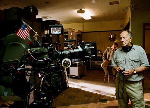 鬼才ヘルツォーク、「今のアメリカを象徴する、最高にダークな映画」