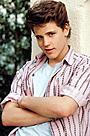 元ティーンアイドル、俳優コリー・ハイムが38歳で死去 薬物過剰摂取の可能性