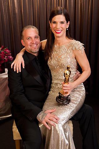オスカーの呪い?主演女優賞のサンドラ・ブロックが、浮気した夫と別居