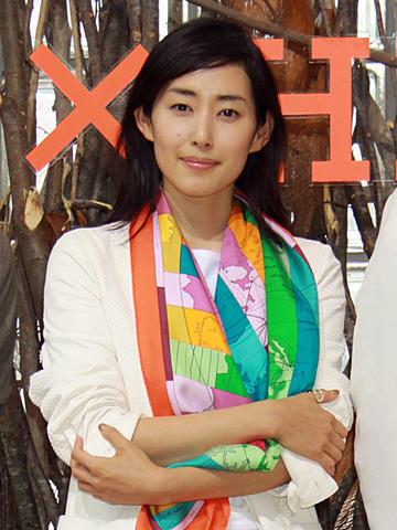 木村多江主演作「東京島」が邦画で初めてエルメスとコラボレート
