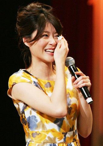 """上野樹里、演奏コンテスト優勝チームの""""絆""""に感涙"""
