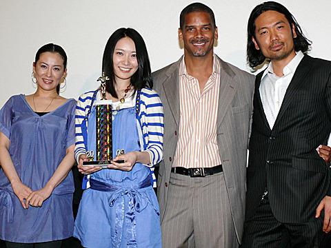 長澤奈央、デビュー10年目に国際映画祭で主演女優賞を戴冠