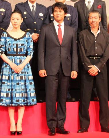 織田裕二、「踊る」完成披露でファン4000人に「ただいま!」