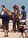 ジョニー・デップがジャック・スパロウに変身 「パイレーツ4」ロケ写真公開