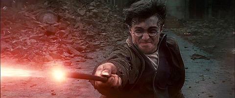 「ハリー・ポッターと死の秘宝」前後編の最新予告編を入手