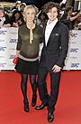 43歳女性監督と20歳俳優の英国人カップルに女児が誕生