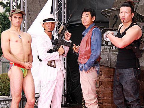 石田純一、プレイボーイ卒業 後継にISSAが名乗り