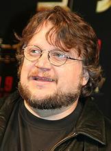 デル・トロ監督、キャメロン監督のサポートで初3D映画に着手