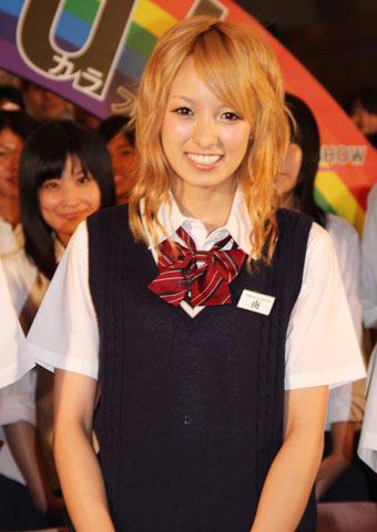金髪アッキーナ、半年ぶり制服姿で「三味線習いたい」
