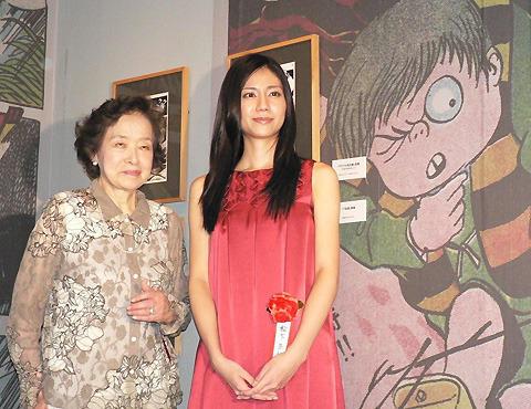 松下奈緒&本物の水木夫人、「ゲゲゲ展」にそろい踏み