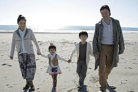 西原理恵子の元夫・鴨志田穣さんの自伝映画、予告編を独占入手