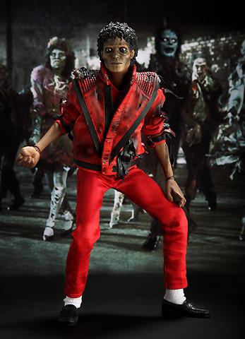 マイケルのダンスが絶妙にマッチ!
