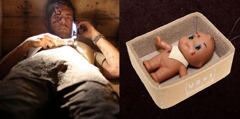 """""""生き埋め映画""""前売り特典で、キューピーが泥だらけで棺の中に"""