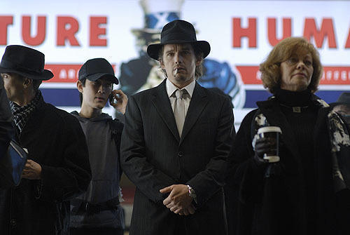 吸血鬼イーサン・ホークが人類を救う?「デイブレイカー」予告解禁