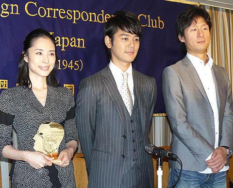 妻夫木聡、こん身の役作りに外国人記者がダメ出し
