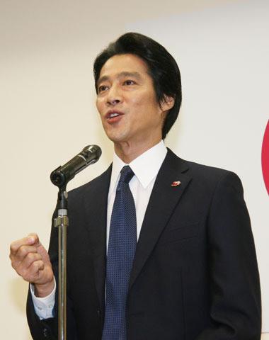 岡田准一、堤真一ら広島県警察学校の1日教官に就任