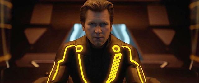 ジェフ・ブリッジスが1人2役をこなす「トロン」特別映像を先行配信