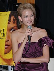 主演のリヤ・ケベデとは良き戦友「デザートフラワー」