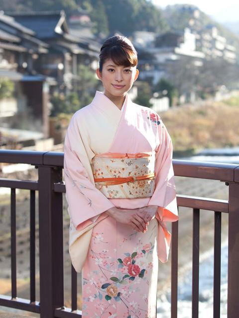 上原多香子、初主演映画「恋谷橋」で女将姿を披露