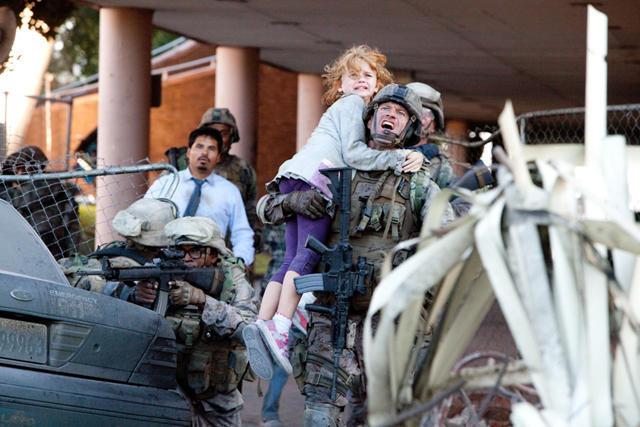 地球が植民地に!?「世界侵略:ロサンゼルス決戦」予告編公開