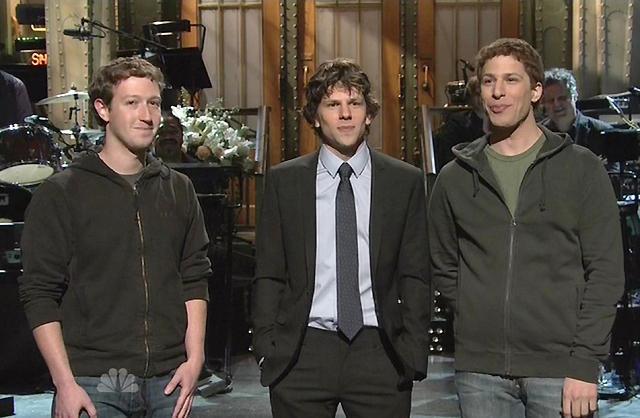 マーク・ザッカーバーグと「ソーシャル・ネットワーク」主演俳優が初対面