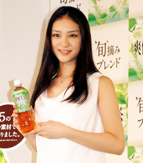 武井咲「爽健美茶♪」最年少でCMキャラ抜てき